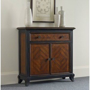 Wingate One-Drawer Two-Door Chest | Hooker Furniture