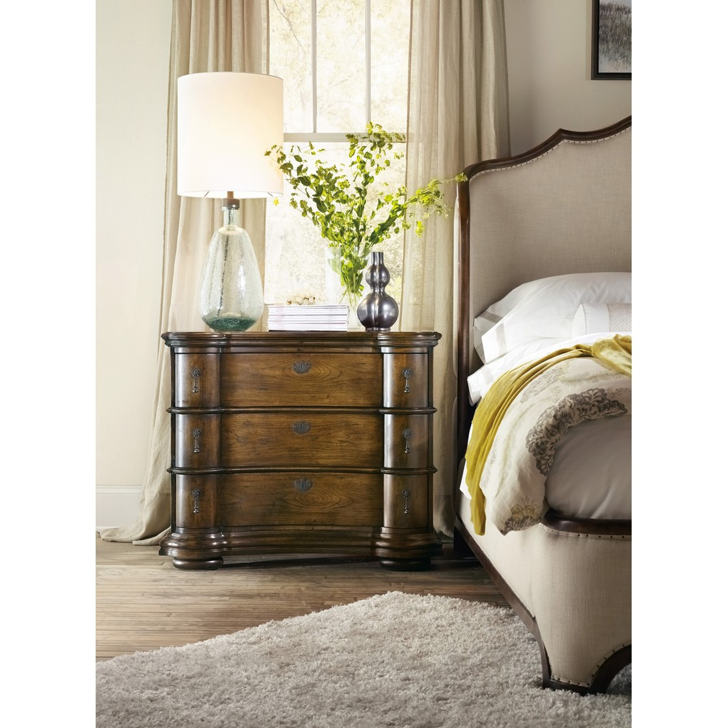 Archivist Bachelor's Chest | Hooker Furniture