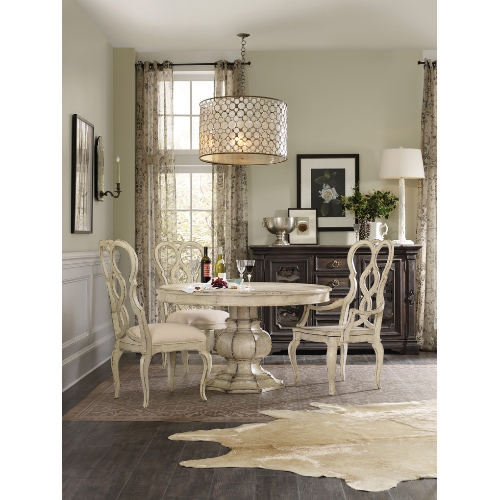 "Auberose 52"" Round Pedestal Table | Hooker Furniture"