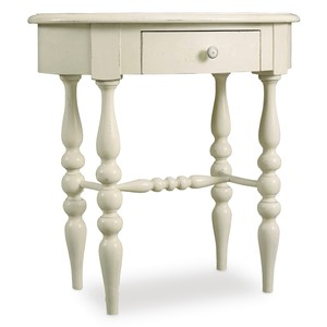 Sandcastle Leg Nightstand | Hooker Furniture