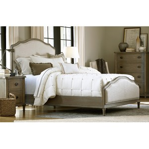 Devon Queen Bed | Universal Furniture