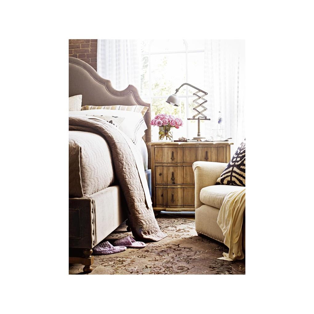 Lyon Bed   Universal Furniture