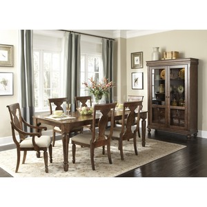Traditional Display Cabinet with Glass Doors   Liberty Furniture