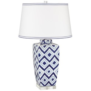 Diamond Pattern Ceramic Table Lamp