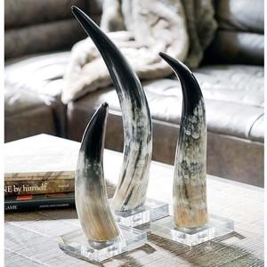 Medium Horn on Crystal Base