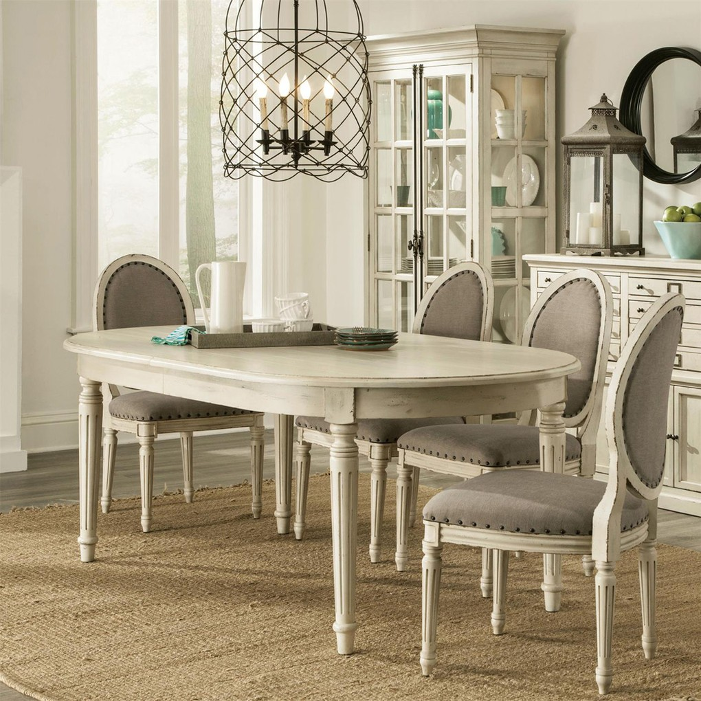 Oval Dining Table | Riverside