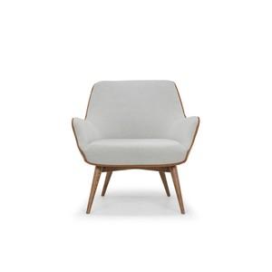 Gretchen Chair | Nuevo
