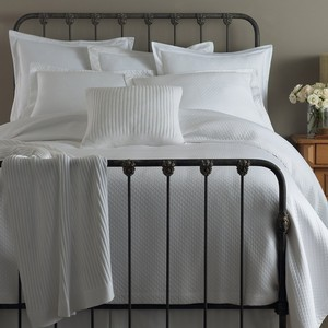 Oxford Tailored Coverlet | Peacock Alley