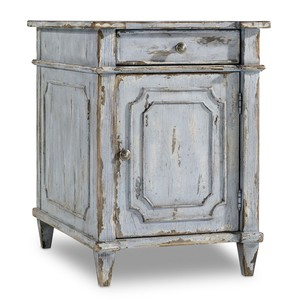 Chatelet Chairside Chest | Hooker Furniture